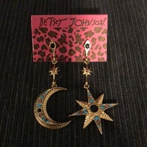 NWT betsey Johnson moon and star earrings
